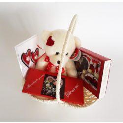 Подаръчна кошница за Свети Валентин 2