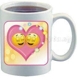 Бяла чаша за влюбени с емотикони 2
