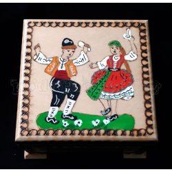 Дървена кутия за аксесоари