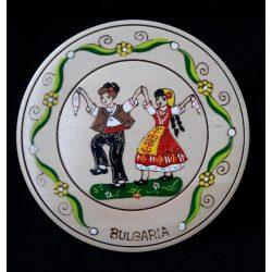 Сувенирна дървена чиния с народни мотиви